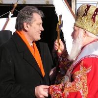 Патріарх Філарет і Віктор Ющенко (21 листопада 2004 р., день виборів)
